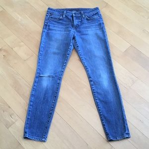 Joe's Jeans Icon Ankle mid rise skinny distressed